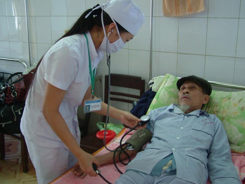 Những căn bệnh đe dọa sức khỏe người cao tuổi